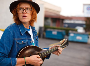 InterVIEW-Brett Dennen Plays for Jack Hazard