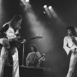 Queen- Night in Bohemia _ March 8