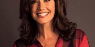 Amy Grant comes to the Fruit Yard