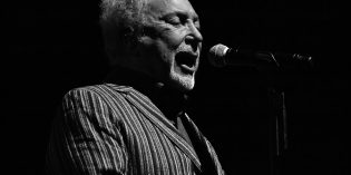 Sir Tom Jones at the Bob Hope Theater